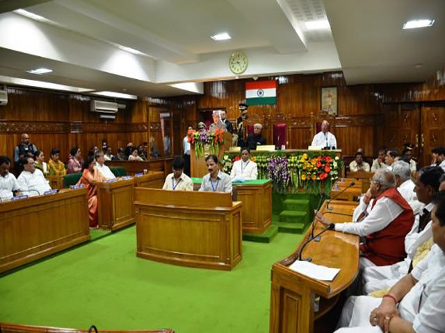 उत्तराखंड :राज्य गठन के बाद यह पहली बार होगा प्रदेश का बजट सत्र दो स्थानों पर