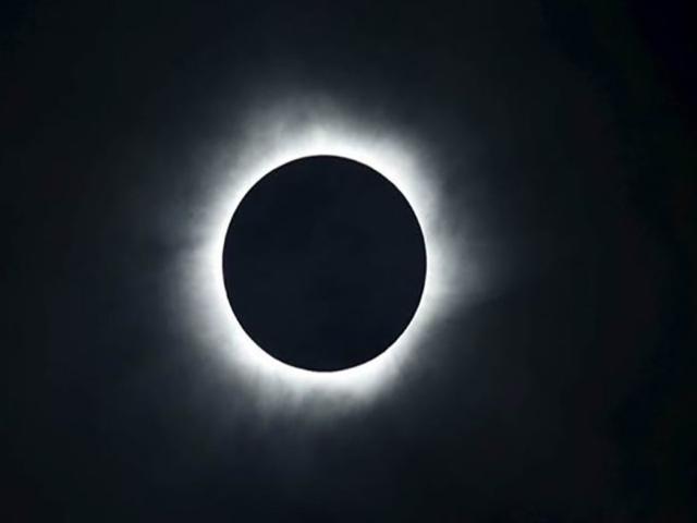 31 जनवरी को पूर्ण चंद्र ग्रहण,रखें इन बातों का ध्यान