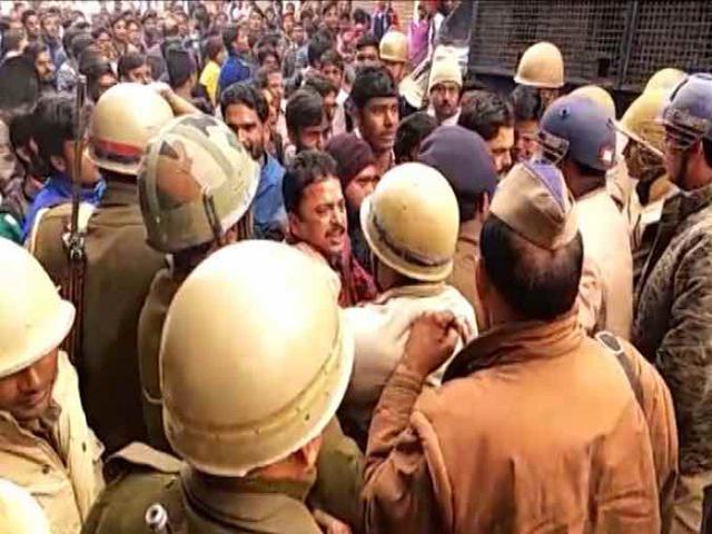 उत्तर प्रदेश : कासगंज में अब हालात नियंत्रण में,गणतंत्र दिवसके दिन दो गुटों के बीच जमकर बवाल हुआ था
