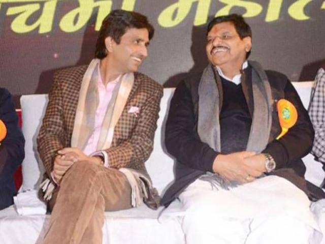 """""""मैं और शिवपाल आज अपनी-अपनी पार्टी के आडवाणी हो गये हैं- कुमार विश्वास"""