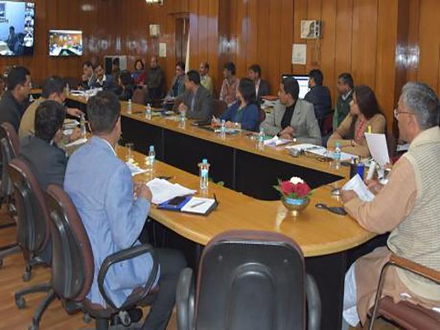 भ्रूण परीक्षण पर सख़्त कार्रवाई करें डीएम-मुख्यमंत्रीत्रिवेंद्र सिंह रावत