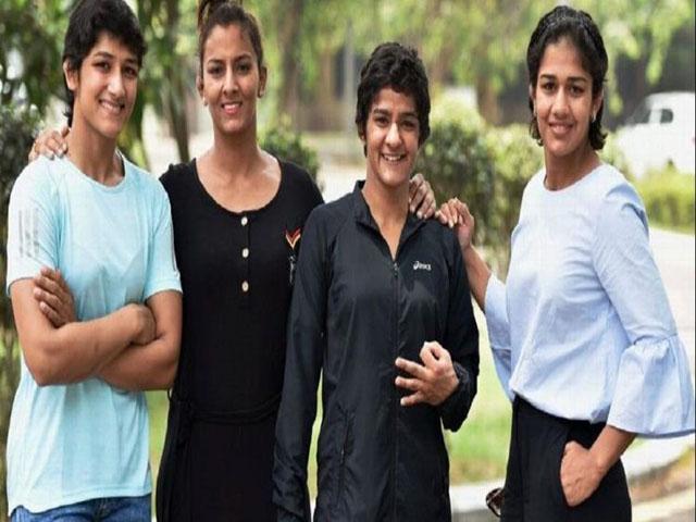 रेसलिंग फेडरेशन ऑफ इंडिया (डब्ल्यूएफआई) ने अनुशासनहीनता के चलते फोगाट बहनों के लिए इस एशियाई गेम्स के दरवाजे बंद किये
