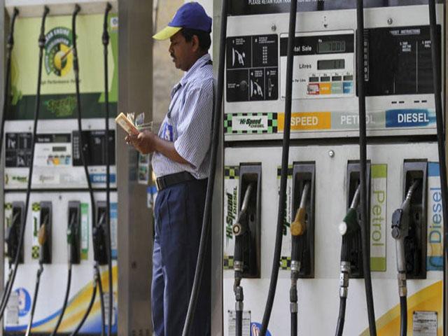 पेट्रोल-डीजल जल्द आएं जीएसटी के दायरे में, उद्योग संगठनों ने की उत्पाद शुल्क में कटौती की मांग तेज