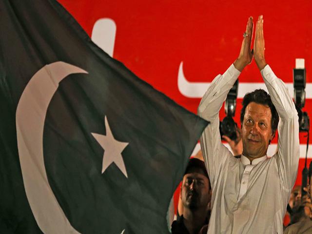 प्रधानमंत्री पद की शपथ लेने से पहले भ्रष्टाचार मामले में इमरान से की गई पूछताछ